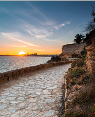 Paseo por el litoral de Cabo Roig