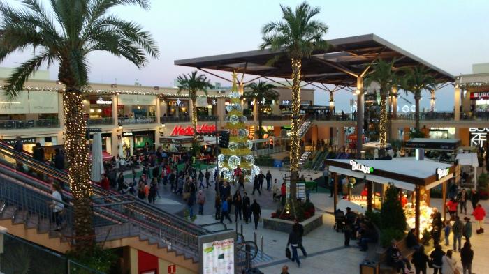 Plaza principal La Zenia Boulevard