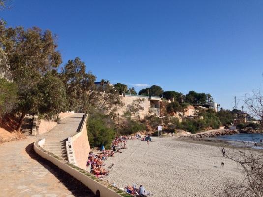 playa cabo roig en diciembre un dia de viento