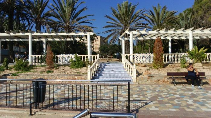 Parque junto al acceso de la Playa de Punta Prima