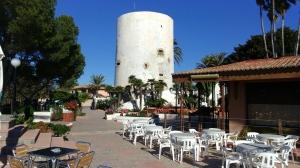 Restaurante junto a la torre Cabo Roig