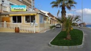 restaurante strandcafe en primera linea