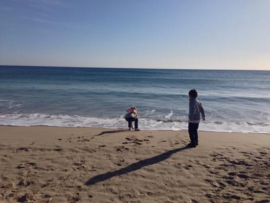 niños en la playa 2
