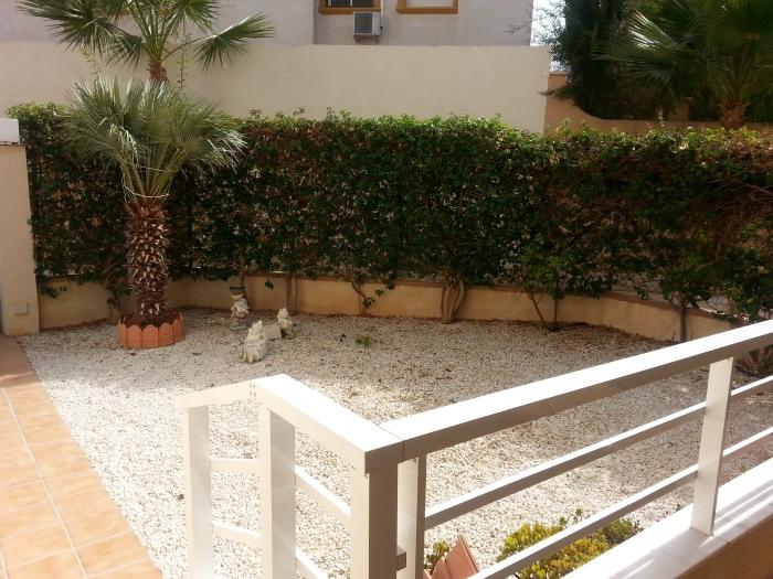 bajo en alquiler jardin en Cabo Roig
