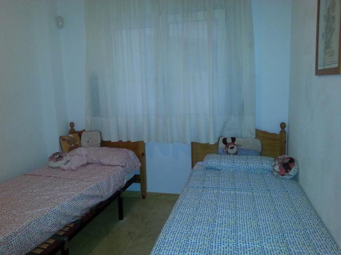 en Cabo Roig, habitación 2