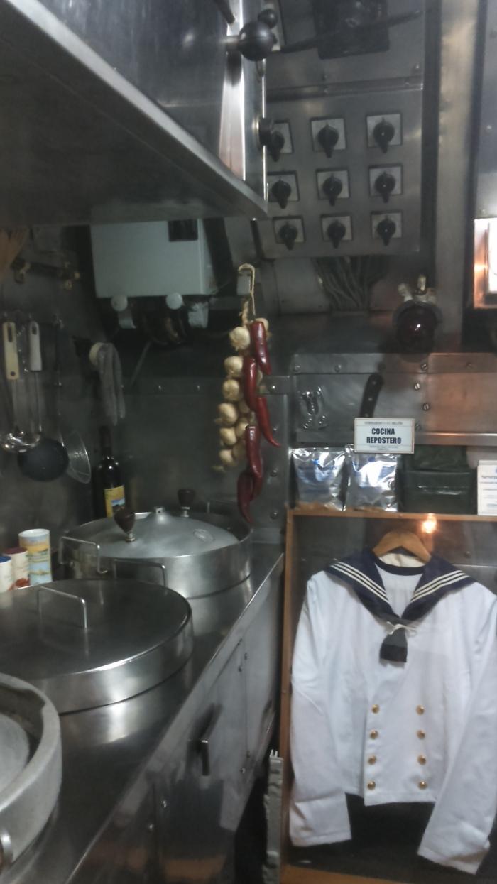 Submarino Delfín y Patrullera Albatros en Torrevieja